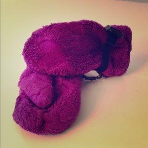 REI toddlers fleece mittens